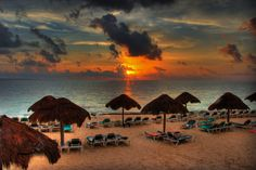 #IslaMujeres #Mexico #sunset #turismo #viajes #quintanaRoo http://revistavivelatinoamerica.com/2015/11/22/isla-mujeres-mexico/