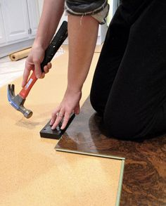 Great tips on how to install cork (or any laminate/click) flooring diy.