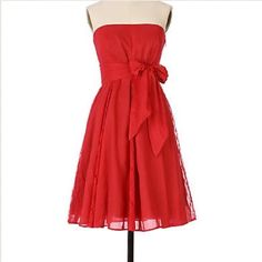 """⚡️Host Pick! Anthropologie Red Lace Dress Beautiful strapless red dress with lace paneling. By Moulinette Soeurs from Anthropologie. Removable sash and side zipper. Length 31"""". Cotton. Very small hole in fabric from safety pin (see picture). Anthropologie Dresses Strapless"""