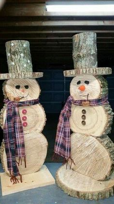 New Free Wooden snowmen logs Popular Winter season mens within kids play house times which might be hallmarked by numerous wintry, entert Wood Log Crafts, Wooden Christmas Crafts, Outdoor Christmas Decorations, Rustic Christmas, Christmas Projects, Christmas Fun, Holiday Crafts, Christmas Ornaments, Pinterest Christmas Crafts
