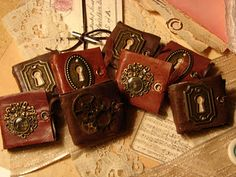 Mini book tutorial...just fabulous!  Use this link: ar...