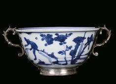 A white and blue porcelain bowl with landscape and figures, China, Ming Dynasty, Wanli Period (1573-1620), European setting in silver, mark and the Period. Photo Cambi Casa dAste