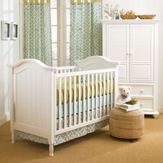 The Morgan Safeside Crib in white is a great crib for any nursery.  Pair with modern or classic bedding to create a look that fits you and your little one perfectly.