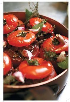 tomates farcies par Bruno Doucet. Plus de recettes à base de tomate ici : www.enviedebienmanger.fr/recettes/tomate