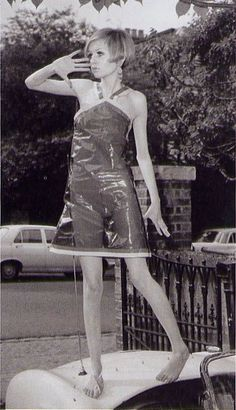 What sort of shoes would twiggy wear (60's model)?