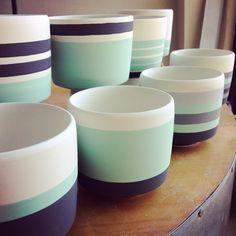 Working up a new plan of attack to finish these. Painted Plant Pots, Painted Flower Pots, Pots D'argile, Clay Pots, Concrete Pots, Concrete Crafts, House Plants Decor, Plant Decor, Flower Pot Design
