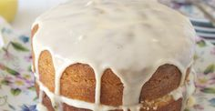 Victoria sponge cake with lemon and passion fruit curd. Eggless Sponge Cake, Sponge Cake Recipes, Best Cake Recipes, Lemon Recipes, Baking Recipes, Favorite Recipes, Passion Fruit Cake, British Desserts, British Recipes