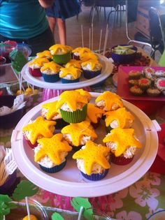 Hawaiian Party - Starfish Cupcakes