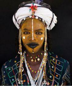 Africa | Portrait of a Wodaabe tribesman.  Niger | © High Sitton