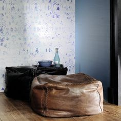 Bring exotic design to any setting with this Brit Pop wallpaper from Elitis. Discover now!