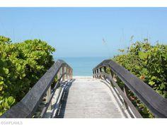 Barefoot Beach in Naples, Florida