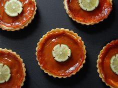 guava cream cheese tart http://www.eatknitanddiy.com/2013/04/guava-cream-cheese-tarts/