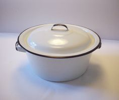 Vintage Enamelware Pot 3 Qt. Handles Cover White Black Trim