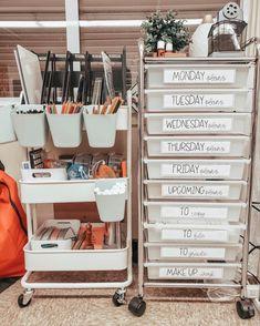 Classroom Setup, Classroom Design, Preschool Classroom, Future Classroom, Classroom Labels, Classroom Organisation, Teacher Organization, Classroom Management, Teacher Toolbox Labels