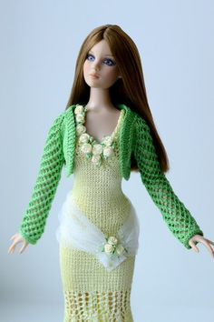 Моё увлечение. Barbie Clothes Patterns, Crochet Barbie Clothes, Crochet Dolls, Clothing Patterns, Crochet Outfits, Barbie Dress, Barbie Doll, Barbie Friends, Beautiful Crochet