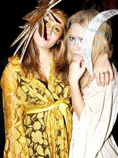 16 it girl approved halloween costume ideas whowhatwearcom - Mary Kate And Ashley Olsen Halloween