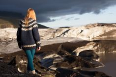 lopapeysa in the wilderness Icelandic Sweaters, Chameleon, Diy Clothes, Wilderness, Needlework, Dreams, Warm, Fashion Outfits, Knitting
