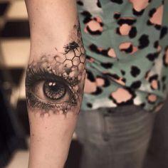 Home - Tattoo Spirit Red Ink Tattoos, Key Tattoos, Sleeve Tattoos, Tatoos, Geometric Eye Tattoo, Honeycomb Tattoo, Tattoo Outline, I Tattoo, Tropical Flower Tattoos