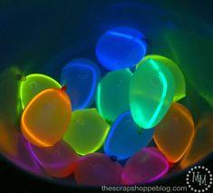 Leuchtstäbe in Wasserbomben - Coole Idee