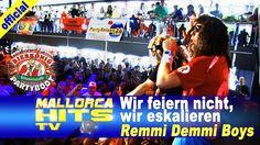 """Die Remmi Demmi Boys, live mit """"Wir feiern nicht, wir eskalieren"""" auf dem Peter Wackel Bierkönig Partyboot 2014 in Köln. http://mallorcahitstv.de/2014/08/remmi-demmi-boys-wir-feiern-nicht-wir-eskalieren-partyboot-2014/"""
