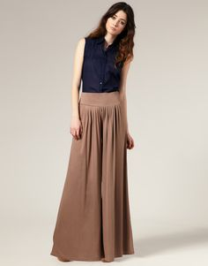 Palazzo pants  http://thedresssense.com/6-style-tips-to-hide-heavy-thighs/