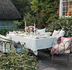Lovely Garden Party Table And Seating