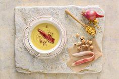Σούπα φάβας με καβουρδισμένα φουντούκια - Συνταγές | γαστρονόμος Panna Cotta, Ethnic Recipes, Food, Dulce De Leche, Essen, Meals, Yemek, Eten