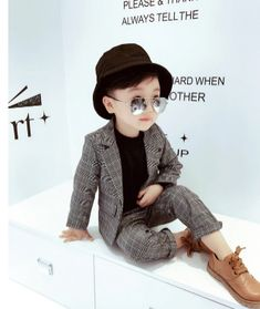 Blazer Vest, Suit Vest, School Costume, Plaid Suit, Formal Suits, Winter Kids, School Parties, Duffy