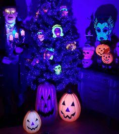 Halloween Stuff, Vintage Halloween, Bride Of Frankenstein, Halloween Decorations, Wreaths, Holidays, Instagram, Holidays Events, Door Wreaths