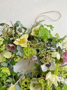 A Spring Wreath Tutorial by @the_suffolk_nest - Just A Little Build Grave Decorations, Flower Decorations, Wreath Ideas, Diy Wreath, Door Knockers Unique, Bloom And Wild, Easter 2021, Beautiful Houses Interior, Spring Wreaths