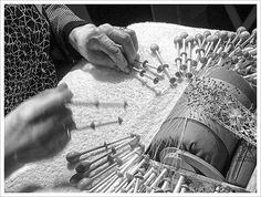 Traditional crafts such as this Finnish Bobbin Lace require patience and focus. These are skills we modern day humans could use a little practice in. Hairpin Lace Crochet, Crochet Motif, Crochet Edgings, Crochet Shawl, Needle Lace, Bobbin Lace, Antique Lace, Vintage Lace, Types Of Lace