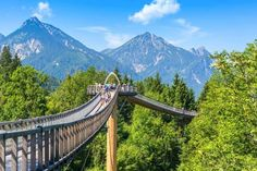 Are you going to travel with kids in Germany and wonder what you can do with them in Germany? There are many activities to do. Great Places, Places To See, Places To Travel, Travel Destinations, Beautiful Places, Hiking Tours, Hiking Trails, Wander App, Holidays Germany