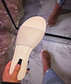 62 best Ideas for style vestimentaire femme basket Cute Sandals, Cute Shoes, Me Too Shoes, Shoes Sandals, Shoes Sneakers, Shoe Closet, Shoe Game, Fashion Shoes, Slippers