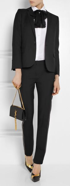 Fall / Winter - Office Wear - Business Casual - Blac & White - Work Outfit + Black Suit + white shirt + black patent leather platforms + black bow