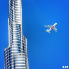 Star & Diamond in one Frame ➖➖➖➖➖➖➖➖➖➖➖➖➖➖➖➖➖ Photo Credit : Robert Lenko Emirates A380, Emirates Airline, Dubai Travel Guide, Dubai Events, Dubai Cars, Dubai Shopping, Dubai Life, Entrepreneur, Willis Tower