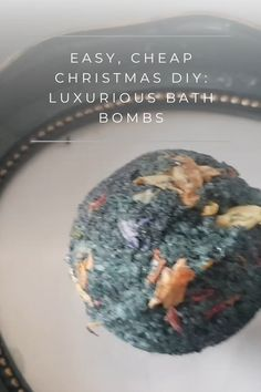 Do you want to give the gift of luxurious bath bombs this Christmas, not not too keen on spending loads on them? Try this budget friendly DIY gift! Lush Bath Bombs, Cheap Christmas, Cute Home Decor, Diy Projects, Luxury, Handmade Crafts
