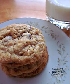 Ariane's Homemade Cravings: Oatmeal Walnut Chocolate Chip Cookies