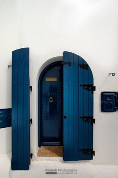 OUDAYAS, Rabat (Morocco) I love this color match, white wall with sapphire blue door
