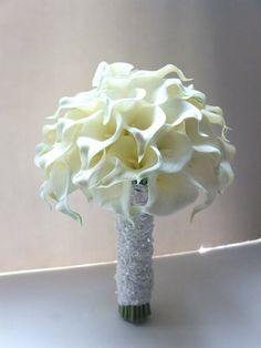Ivory Calla Lily Bouquet with lace handle:
