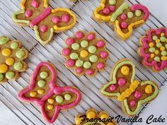 Raw Spring Sugar Cookies from Fragrant Vanilla Cake vegan Raw Vegan Desserts, Raw Vegan Recipes, Vegan Sweets, Vegan Food, Healthy Desserts, Healthy Recipes, Easter Recipes, Holiday Recipes, Whole Food Recipes