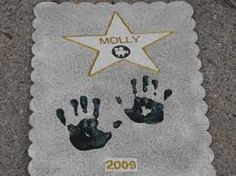 movie party ideas - Google Search Get all the families hand prints like the was of fame.