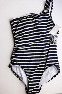 MICHAEL Michael Kors Sophia Stripe One Shoulder Maillot w/ Hardware Women's Swimsuits One Piece Size 12