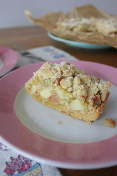Rhabarber-Apfel-Streuselkuchen