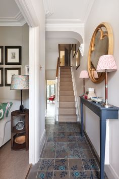 [i]The hall opens into the sitting room and leads through to the kitchen.[/i] L… [i]The hall opens into the sitting room and leads through to the kitchen.[/i] L… – - Beliebt Dekoration Regal Small Entrance Halls, Entrance Hall Decor, Hallway Ideas Entrance Narrow, House Entrance, Modern Hallway, Corridor Ideas, Flur Design, Home Design, Interior Design