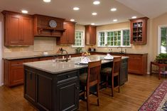 A space-saving kitchen design to be up-to-date with 2016 pretty kitchen look