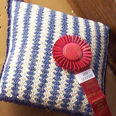 Ravelry: Wrynnes Silky Wool Vertical Shells Pillow
