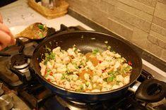 Mondi e Sapori: Gong Bao Ji Ding (o Kung Pao, Pollo alle arachidi) Bao, Fried Rice, Fries, Ethnic Recipes, Nasi Goreng, Stir Fry Rice, Baked Rice