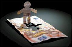 I Sistemi di Informazioni Creditizie (SIC)  I sistemi di informazioni creditizie hanno la funzione di archivio dei dati sull'affidabilità finanziaria di persone e società. Possono essere enti pubblici, come la Centrale rischi della Banca d'Italia, o privati, come i Sic (Sistemi d'informazioni creditizie).