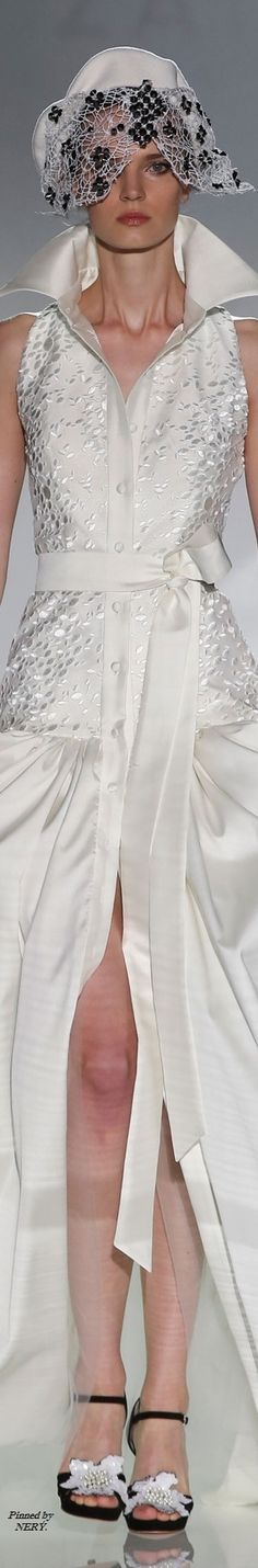 Isabel Zapardiez - Spring 2017 Fashion 2017, Couture Fashion, Love Fashion, Spring Fashion, Color Fashion, Black N White, White Lace, Beautiful Gowns, Beautiful Outfits