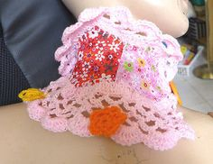 COLLAR NECKLESS HANDMADE FABRIC AND CROCHETED SOFT PINK ACRYLIC WOOL +BUTTON